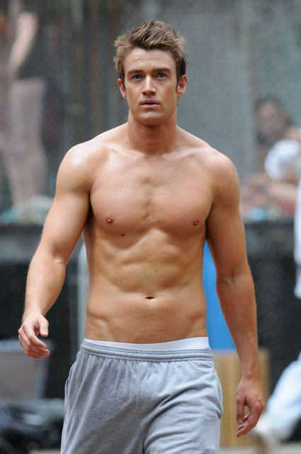 Robert Buckley Hacet Has It